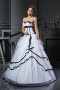 Satin Duchesse-Linie Anständiges Luxus Brautkleid mit Applikation